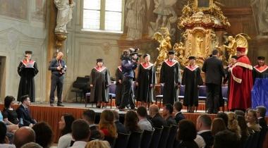 Slávnostné promócie absolventov štúdia