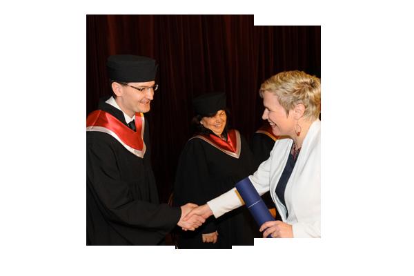 Diplom a prestížny titul LLM